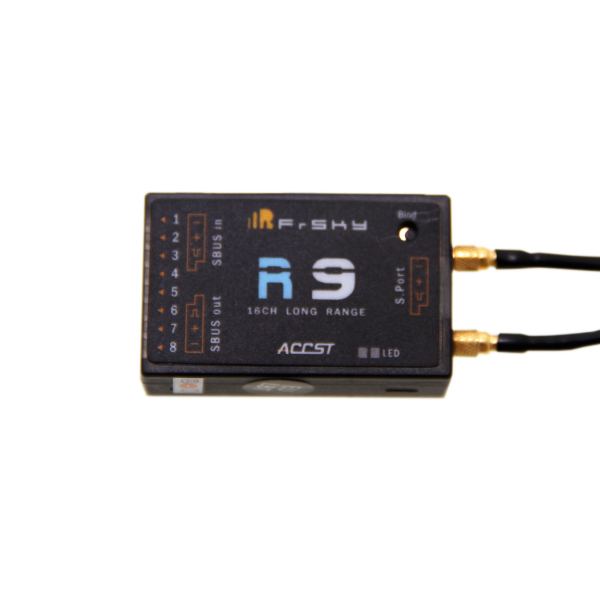 FrSky R9 long range receiver with 16 channels and telemetry